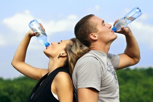 服用膠原蛋白別忘喝水-膠原蛋白流失怎麼辦